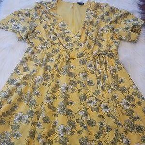 Torrid sz 16 Floral Print Dress Mustard Yellow
